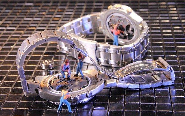 Uhrmacher Batterie tauschen
