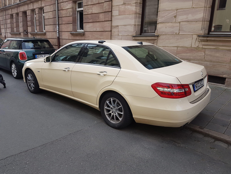 Mercedes Benz Öffnung